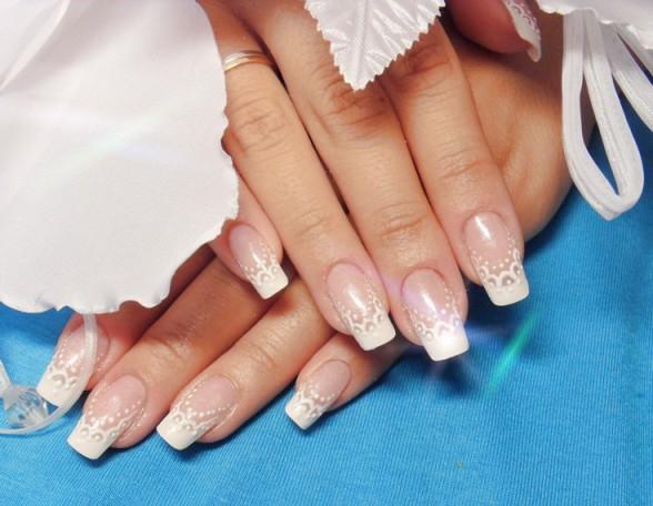 Дизайн ногтей френча белого