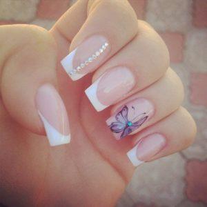 Френч белый на ногтях